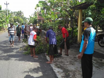 Menyambut Lomba Kebersihan,Dusun Soropadan Giat Kerja Bakti