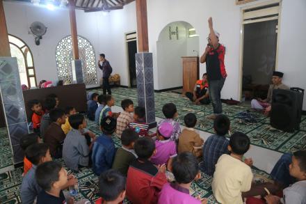 Peringatan Isra' Mi'raj di Masjid An-ni'mah Dusun Jetis