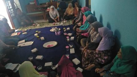 Pertemuan Rutin KWT Ekawati Tirtomulyo