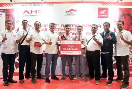 Dimas, Juara 3 Astra Honda Skill Contest Tingkat Nasional