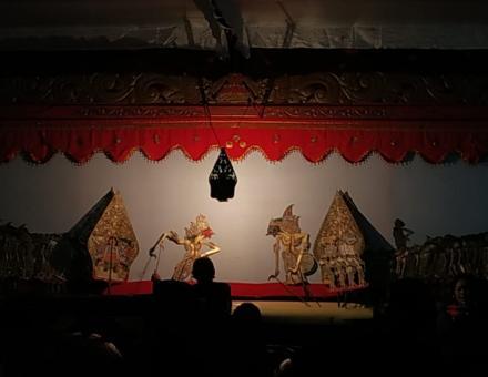 Lakon Jumenengan Puntodewo dalam Pagelaran Wayang Kulit Merti Dusun Karen