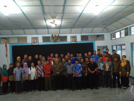 Lurah Desa beserta pamong dan Lembaga Desa